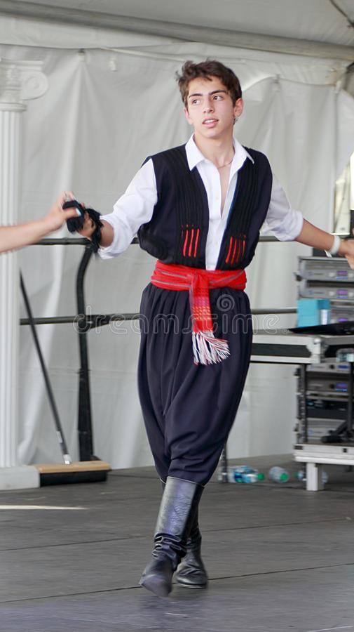 Une danse de garçon sur le festival grec annuel à Denver photos stock