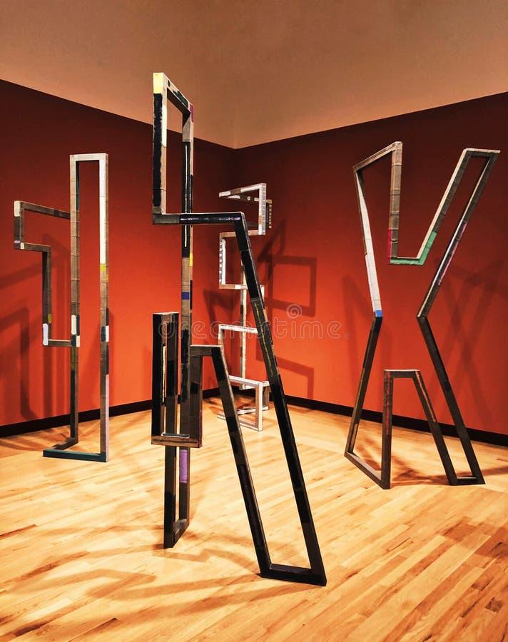 Une exposition d'art à l'intérieur de musée de New Britain d'art américain image stock