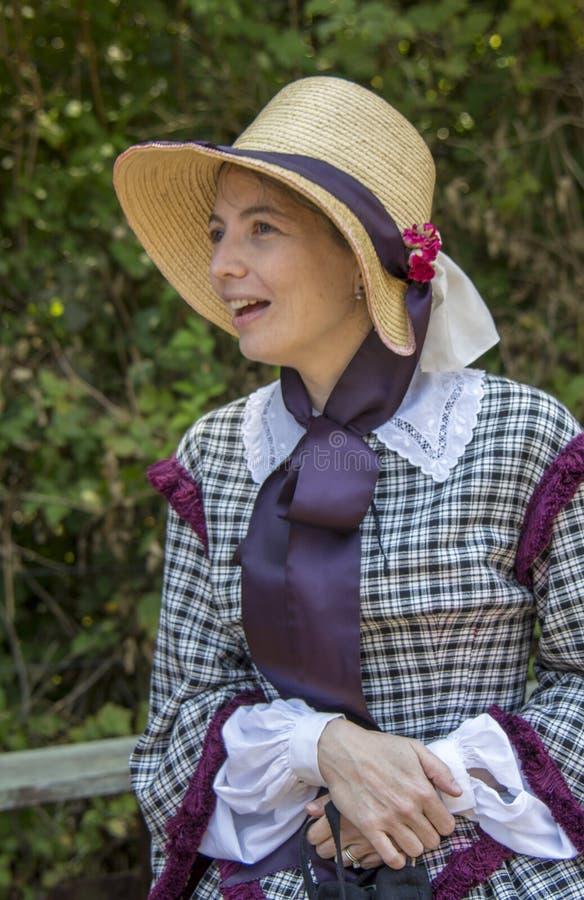 Une femme habillée à l'époque de la guerre civile photographie stock libre de droits