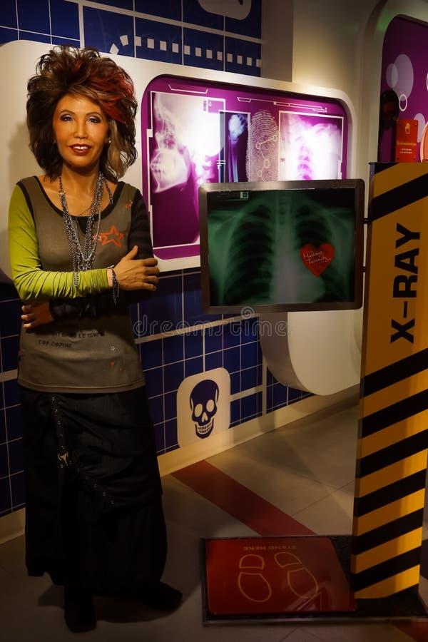 Une figure de cire de Dr. Porntip Rojanasunan au musée de cire de Madame Tussauds photo stock