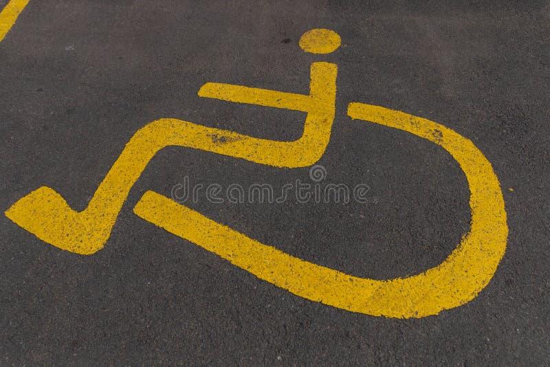 Une fin vers le haut de vue d'un signe paraplégique images libres de droits