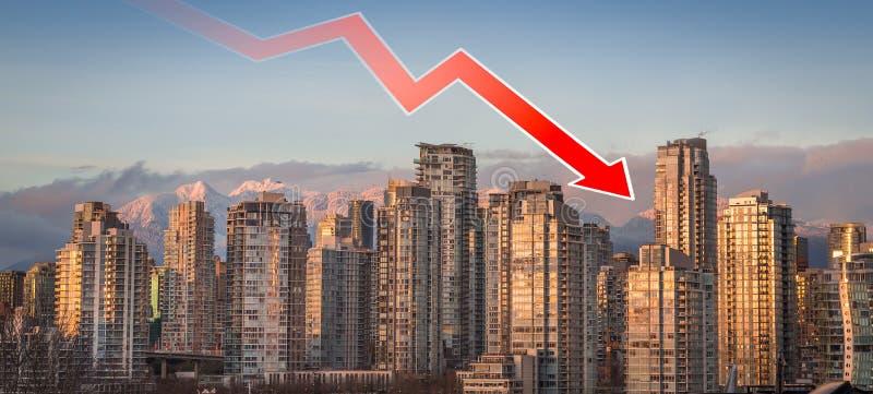 Une flèche d'évolution à la baisse superposée au-dessus de Vancouver du centre, AVANT JÉSUS CHRIST, indiquant les prix en baisse  photo stock