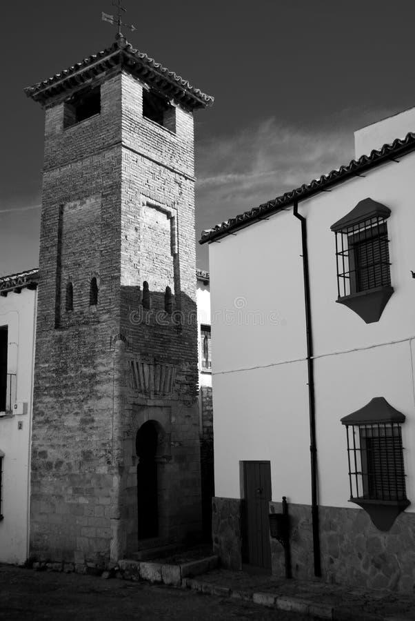 Une fois que le minaret se repose tout à fait et paisible photos libres de droits
