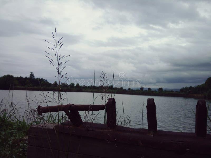 Une fois sur un étang image stock