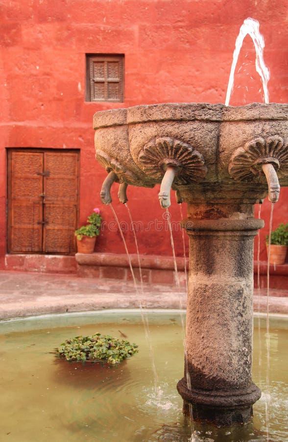 Une fontaine chez Santa Catalina photos libres de droits