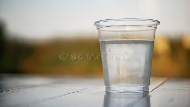 Une glace de l'eau photographie stock