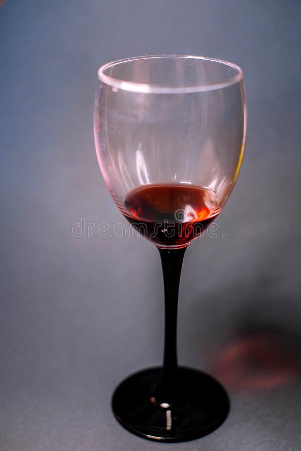 Une glace de vin rouge photo libre de droits