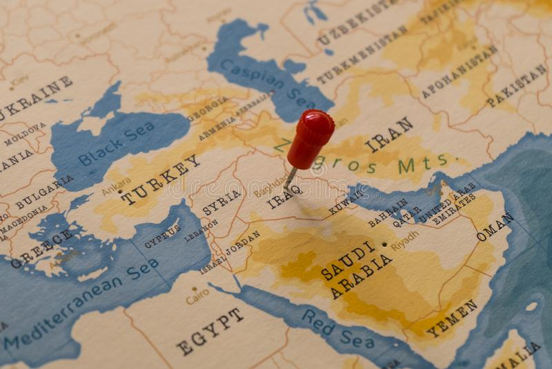 Une goupille sur Bagdad, Irak dans la carte du monde photos libres de droits