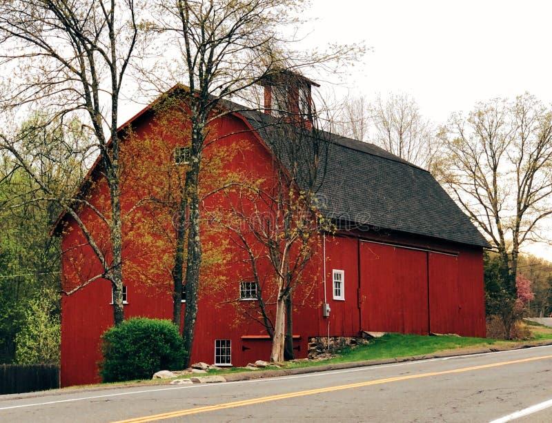 Une grande grange rouge photo libre de droits