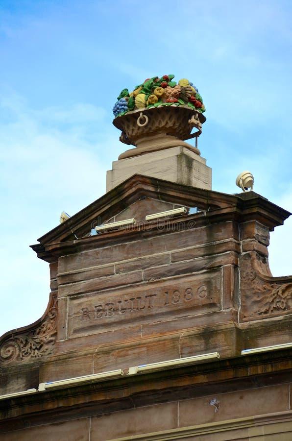 Sculpture en corbeille de fruits, ville marchande, Glasgow photo stock