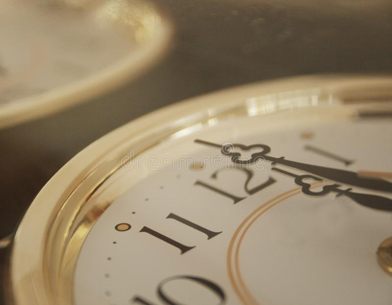 Une horloge. minuit photos stock