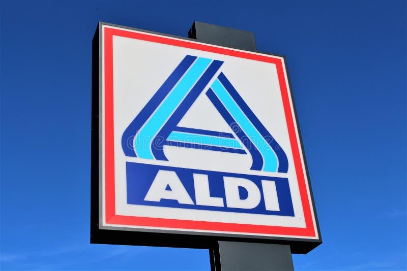 Une image d'un signe de supermarché d'ALDI - logo - mauvais Pyrmont/Allemagne - 07/17/2017 images libres de droits