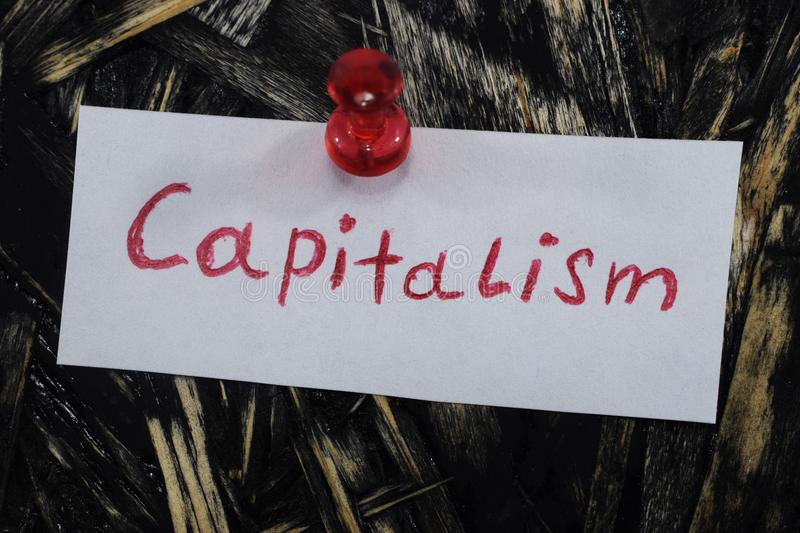 Une inscription simple et compréhensible, capitalisme photos libres de droits