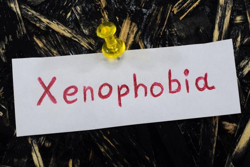 Une inscription simple et compréhensible, xénophobie image stock