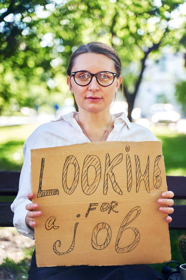 jeune fille cherche du travail)