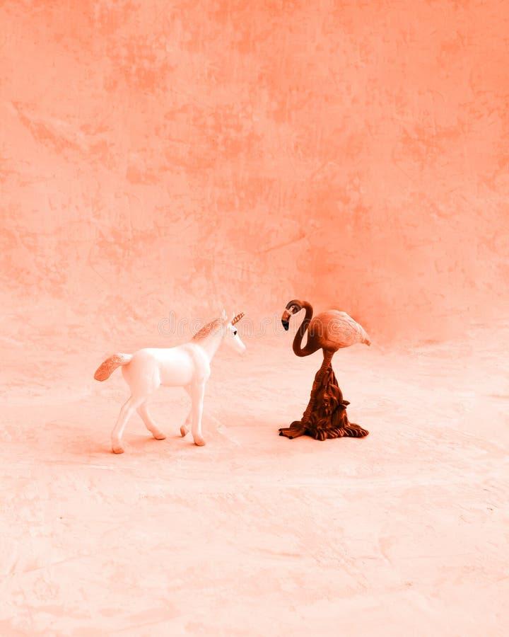 Une licorne et un flamant photographie stock
