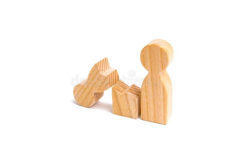Une mère humaine en bois cassée Différends dans la famille Un parent est cassé, dépendant aux drogues ou à l'alcool, dépendance d photographie stock