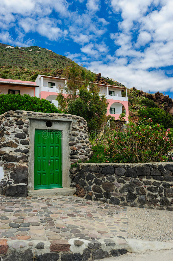 Une maison locale, île d'Alicudi, Italie photographie stock libre de droits