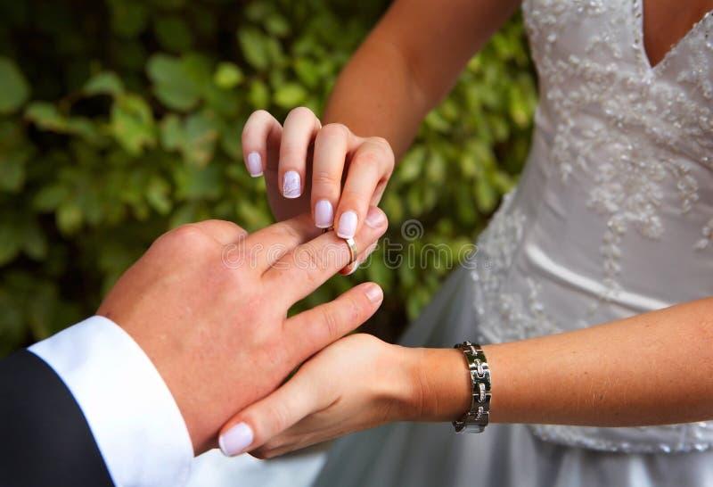 Une mariage-boucle photos stock