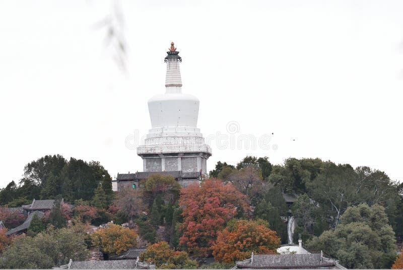 Une pagoda blanche dans Beihai photos stock