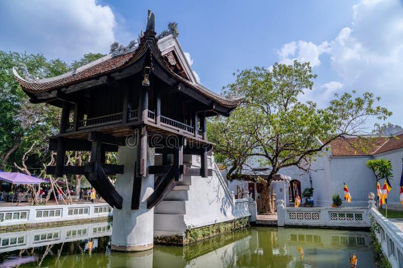 Une pagoda de pilier, temple bouddhiste reconstruit à Hanoï images stock