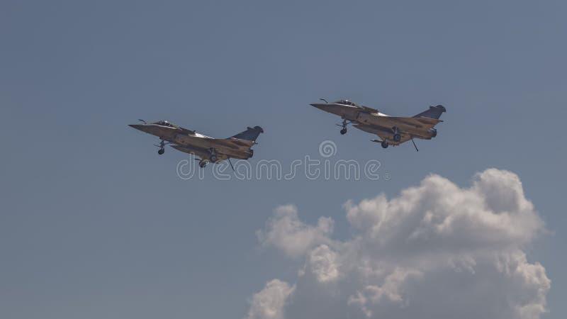 Une paire d'avions de chasse de Dassault Rafale photos stock
