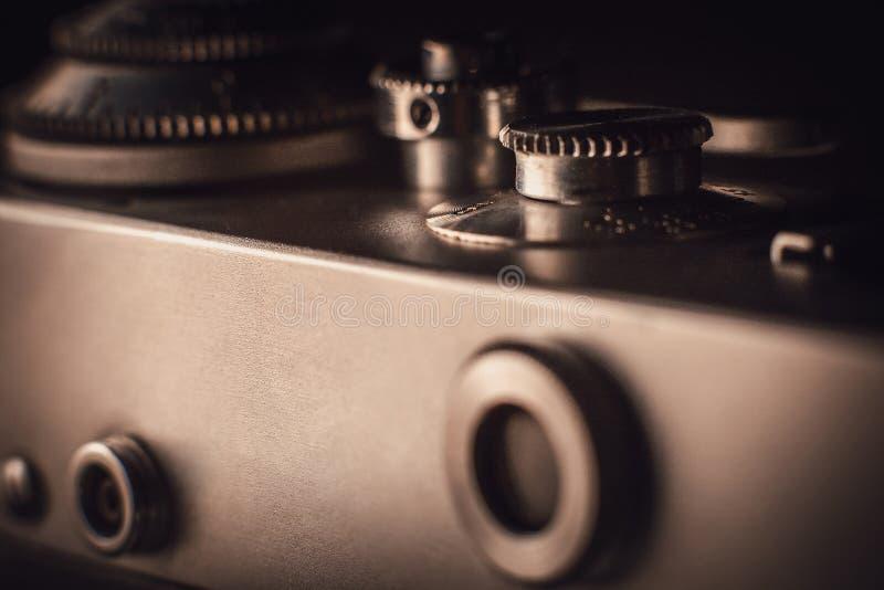 Une partie d'un appareil-photo très vieil de film photo stock