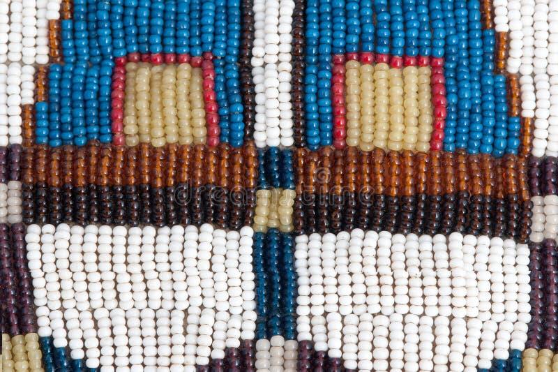 Une partie de collet perlé indien authentique. Texture. photographie stock