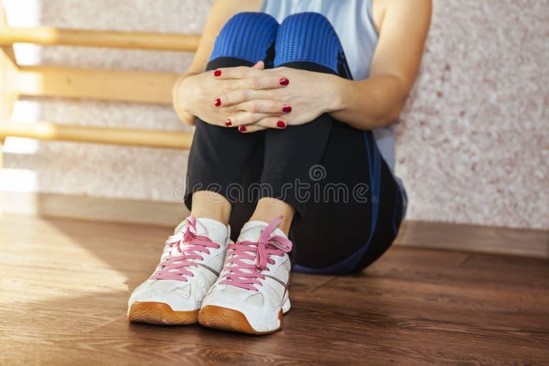 Une partie de femme fatiguée photos stock