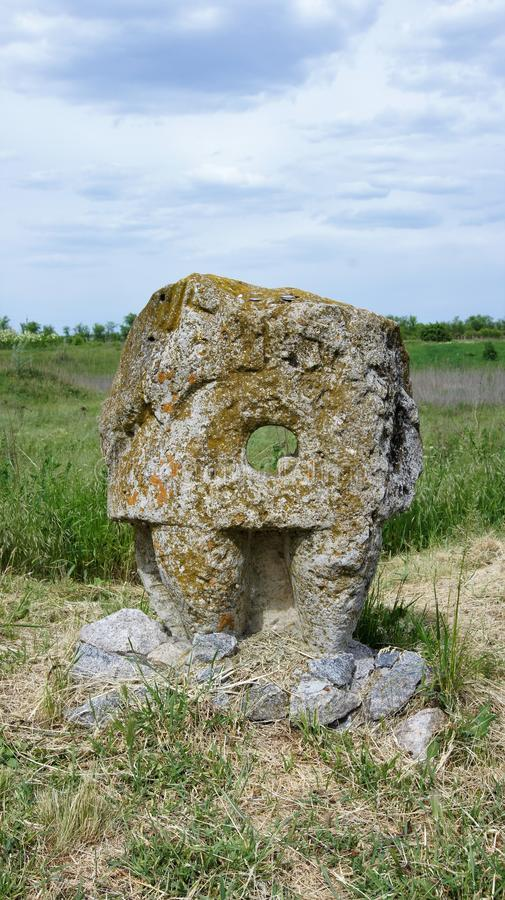 Une partie de la femme en pierre des nomades de la mer antique d'Azov photographie stock libre de droits