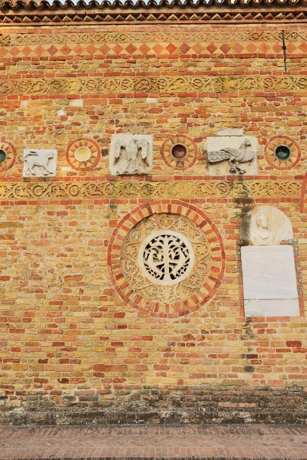 Une partie de mur de briques antique photographie stock libre de droits