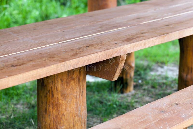 Une partie des bancs en bois photos libres de droits