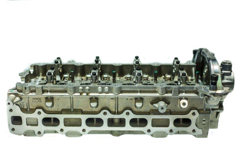 Une partie du moteur de voiture, valve quatre dans la tête pour chaque cylindre photographie stock
