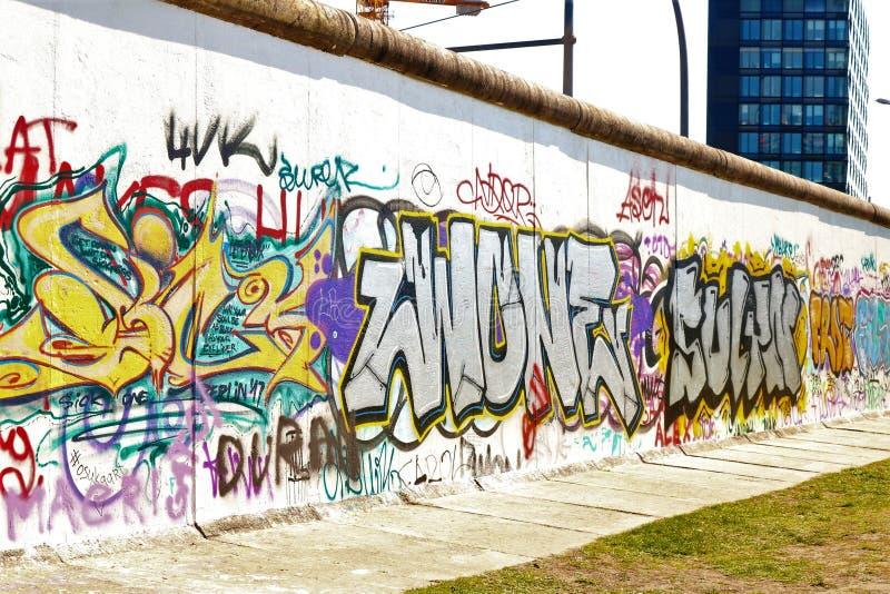 Une partie du mur de Berlin image stock