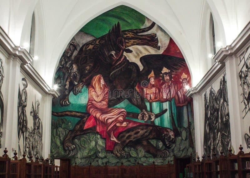Une peinture murale polychrome peinte dans une bibliothèque images libres de droits