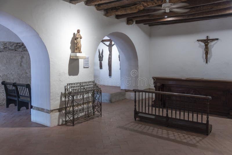 Une petite chapelle dans le Parroquia San Pedro Claver image stock