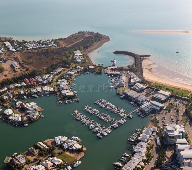 Une photo aérienne de Cullen Bay, Darwin, territoire du nord, Australie image stock