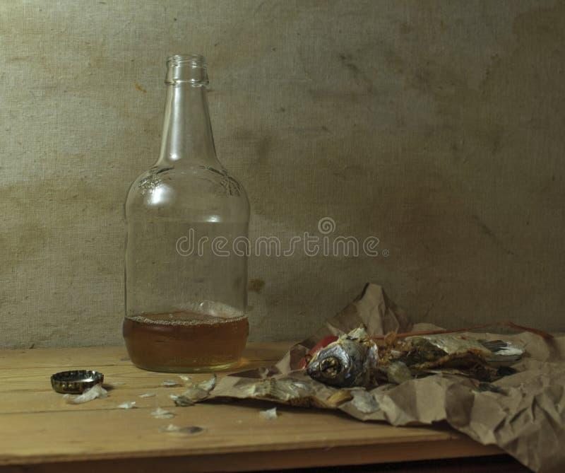 Une photographie dépeignant une bouteille de bière images stock