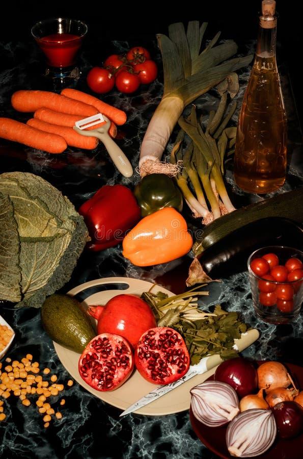 Une photographie foncée et atmosphérique de nourriture de beaux-arts images libres de droits
