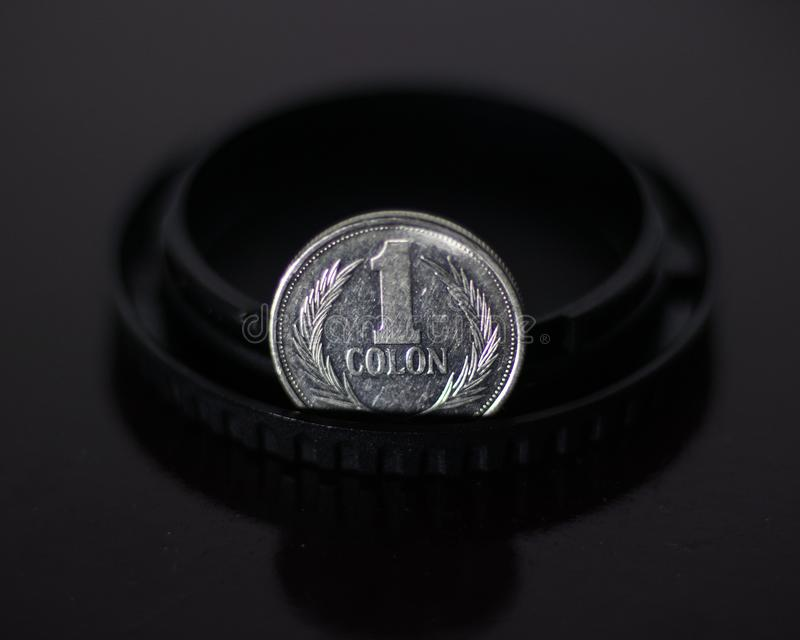 Une pièce de monnaie argentée de deux points photographie stock