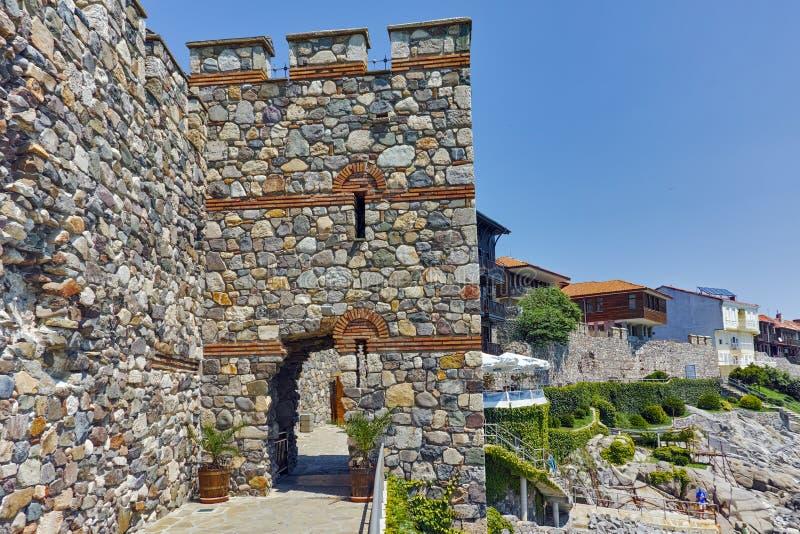 Une pièce reconstruite de porte de fortifications antiques de Sozopol image libre de droits