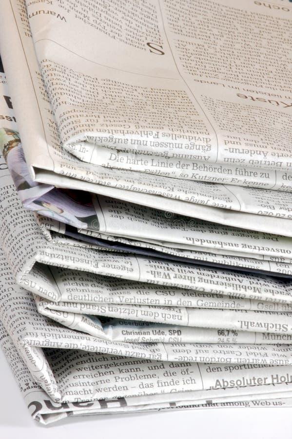 Une pile de vieux papiers images libres de droits