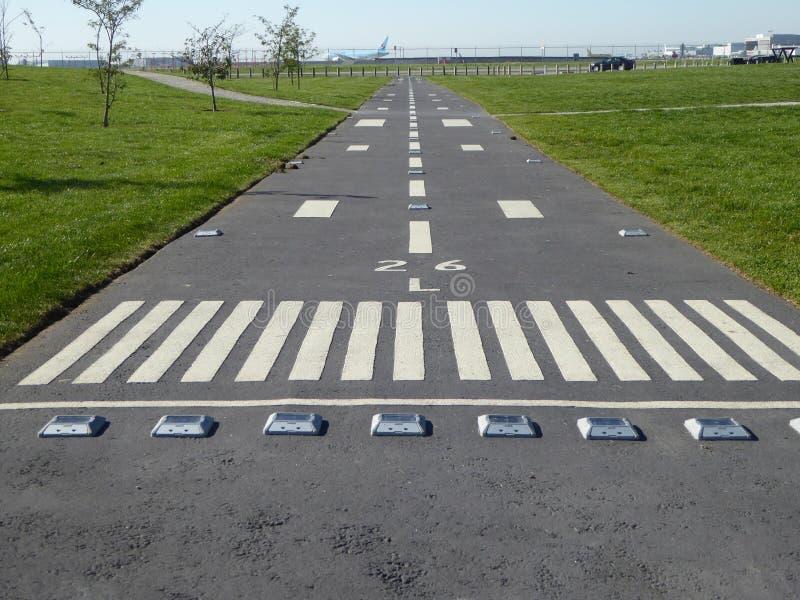 Une piste d'aéroport de terrain de jeu photo stock