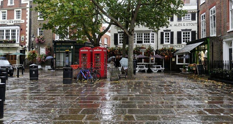 Une place de piéton seulement un jour pluvieux en Richmond London photographie stock