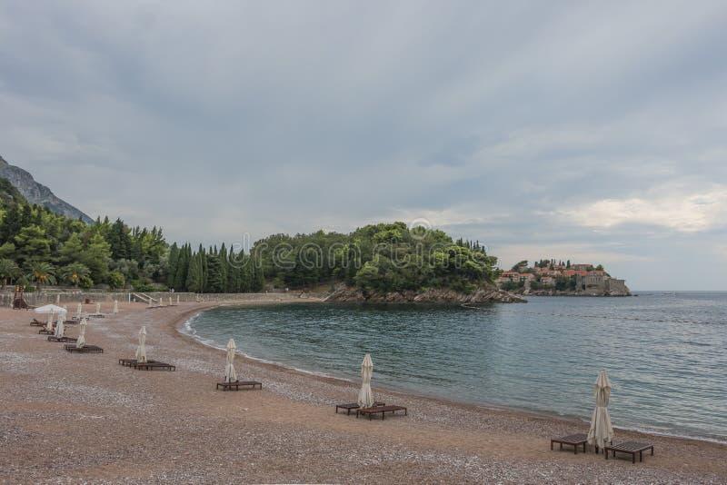 Une plage abandonnée photographie stock