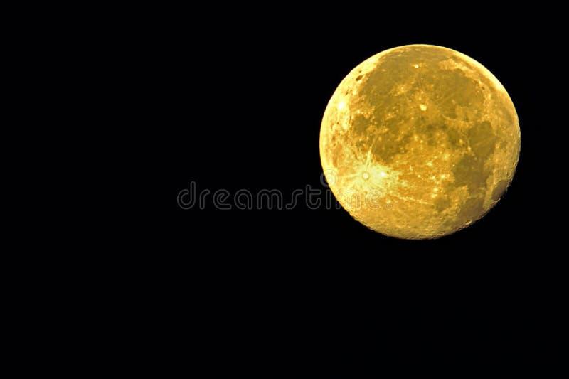 Lune jaune photographie stock libre de droits