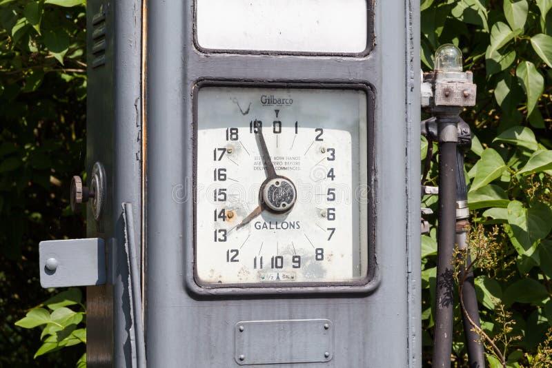 Une pompe à essence hors d'usage de Gilbarco photo libre de droits