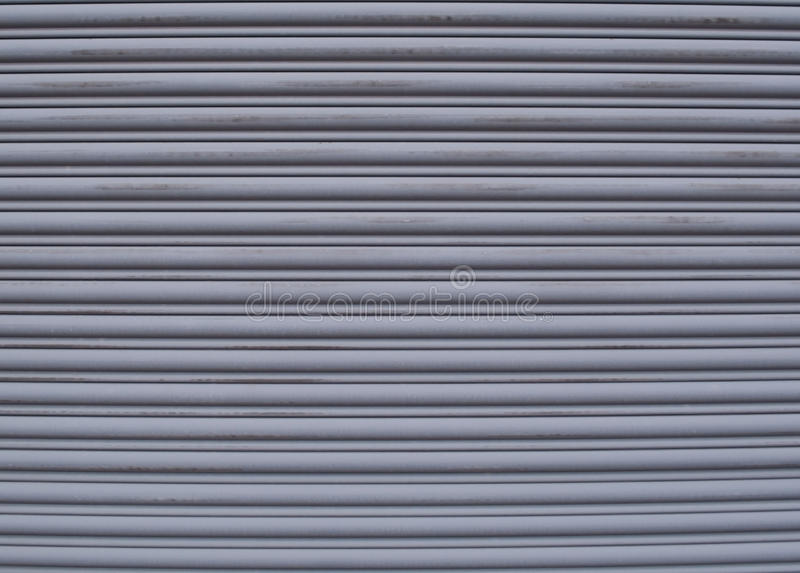 Une porte de garage en métal image stock