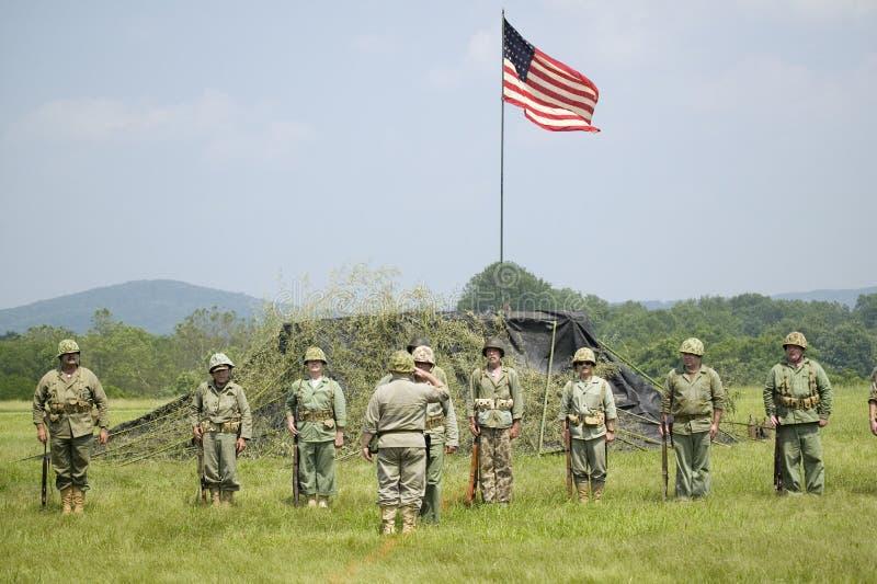 Une reconstitution de la deuxième guerre mondiale des marines des USA photo stock