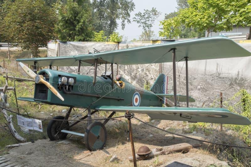 Une reproduction d'un biplan de SE5 Royal Air Force photographie stock